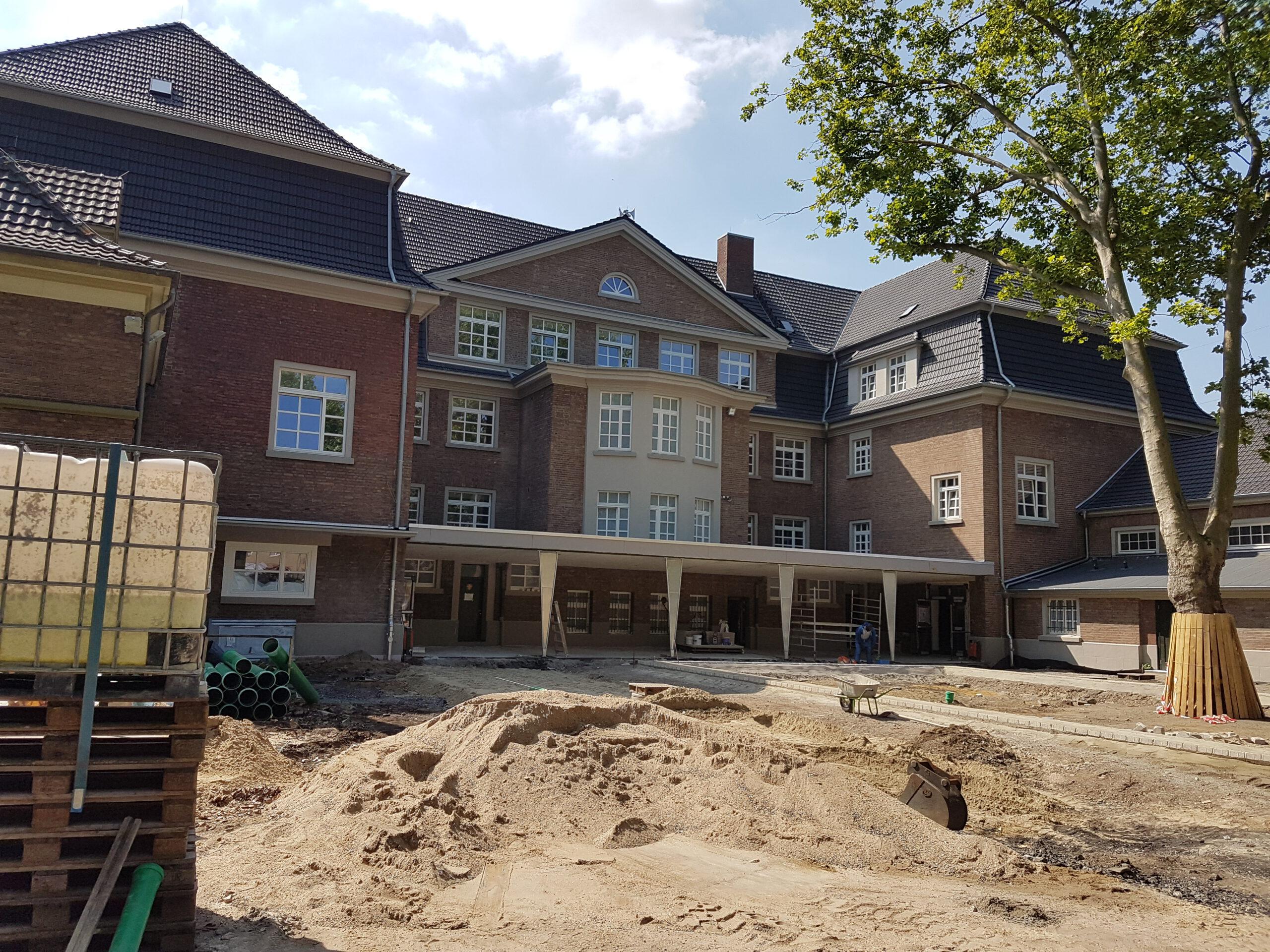 Ein Rundgang durch die neue alte Schule