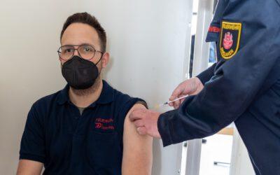 Impfung für Rettungskräfte in der Feuerwache
