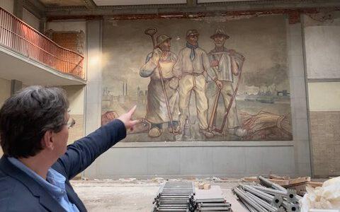 Wandbild in der Lohnhalle freigelegt